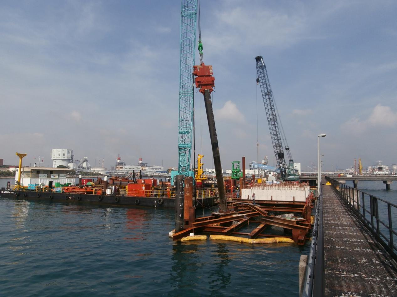 2013 YTL Power Seraya Jetty Upgrading, Piling Work