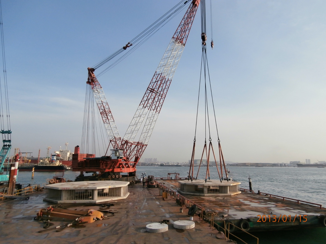 2012-2013 GMR Project D3000mm Offshore - Seawater Intake Precast Unit Installation 170 Ton / Pcs